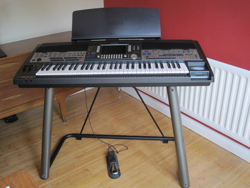 yamaha psr 9000 version 2 keyboard with stand excellent. Black Bedroom Furniture Sets. Home Design Ideas