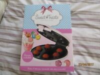 Sweet Treats Lakeland purchased Cake Pop Maker in Pink in Original Box