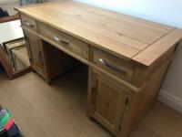 Computer desk (oak)