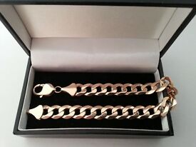 Beautiful, Mens Solid 9ct Yellow Gold Curb Bracelet.