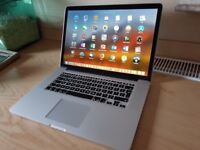 2015 Apple MacBook Pro 15 inch - Quad Core i7 Cpu -Cycle Count of Just 79