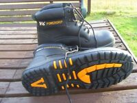 V6 POWERGRIP BLACK SAFETY LACED BOOTS steel toe/sole size 9(43) never worn £25 collect
