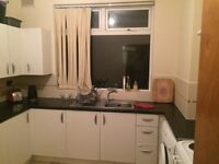 Single room for rent in 3 bedroom share house available from 10 November