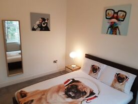 Room to rent in 5-bedroom house in Greenwich, London
