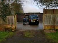 Tripple Garage with large Driveway up for rent