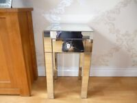 MIRROR SIDE TABLE 35 X 35 X 60 CM