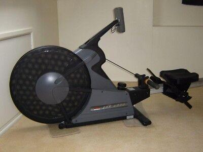 Johnson JAR 6000 Proffesional Rowing Machine