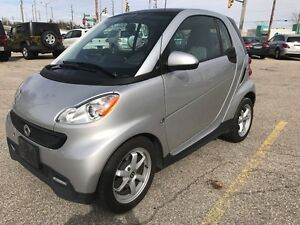 2013 Smart fortwo ONE OWNER - NO ACCIDENT - SAFETY & E-TESTED