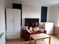 Big double room near central line zone 2 all bills included
