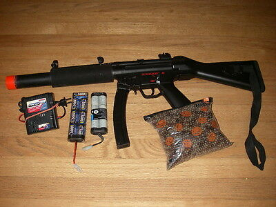 Airsoft Elite MP5 gun rifle with 3 batteries and charger