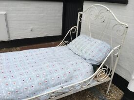 Needs some tlc... French Day Bed