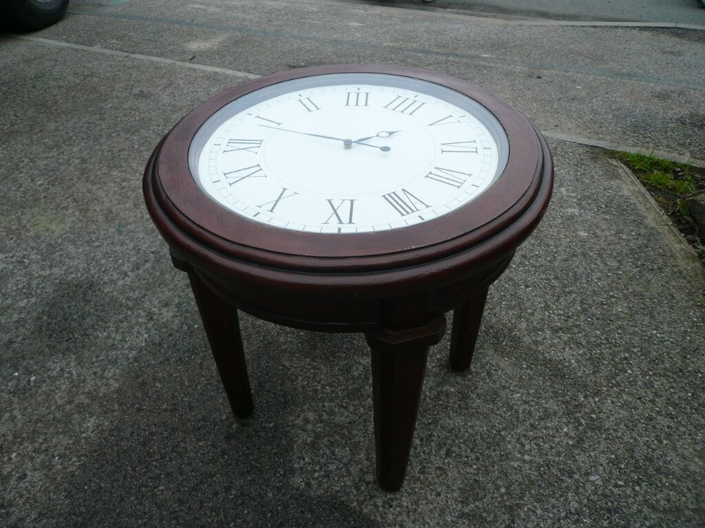 a super working clock coffee table   in york, north yorkshire