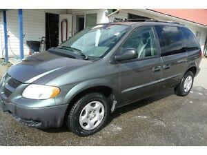 2002 Dodge Caravan  LOW KM SE