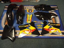 New DRZ 400 S/E/SM 00-15 Graphics & Plastic Kit DRZ400 All Black Plastics