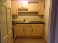 Single Room - available NOW - semi furnished - 10 mins from Picadilly Station