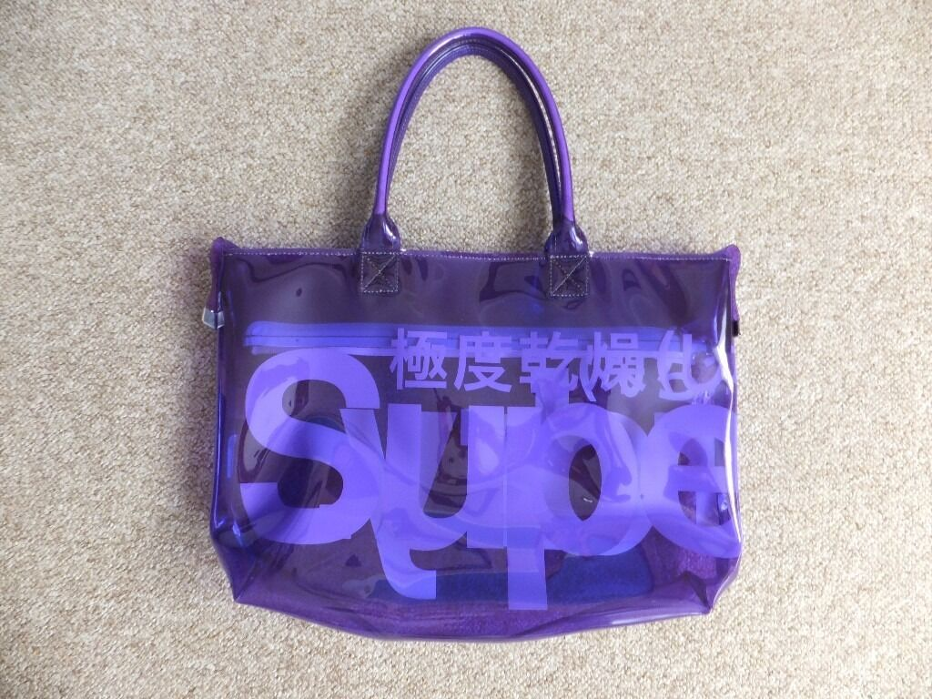 Womens Superdry Bag Purple (Excellent conditionin Norwich, NorfolkGumtree - Womens Superdry Bag Purple Great for pool, shopping and gym Superdry womens Gradient Whopper Shopper bag. This extra large shopper bag with a gradient print is made from PVC and features twin handles, zip fastening and finished with a printed...