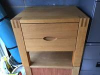 Solid Oak Bedside Tables/Drawers x2