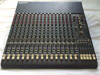 Mackie 1604 VLZ Pro Mixer - 16 Channel pro mixer