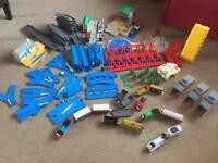 Tomy Thomas the Tank Engine train and road play set