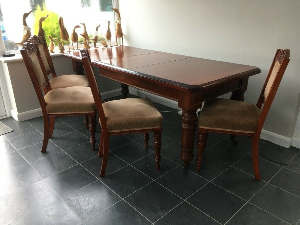 Picture of: Vintage Mahogany Dining Table And Chairs In Steyning West Sussex Gumtree