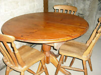 Chunky Pine Round / Oval Extendable Dining Table & 3 chairs Seats 6 when extended