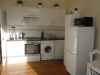 2 DOUBLE BEDROOM FLAT FIRST FLOOR CLOSE TO STATION