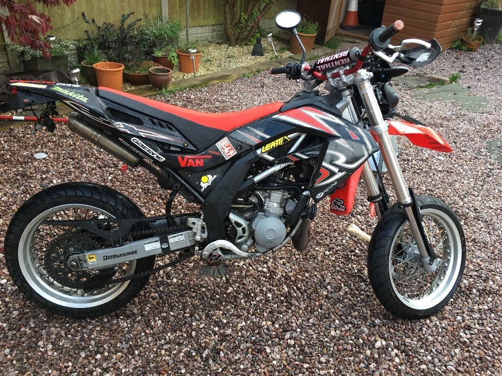 aprilia sx 125 supermoto c b t learner legal 1950 or swap for road legal ktm 125 yz 125 in. Black Bedroom Furniture Sets. Home Design Ideas
