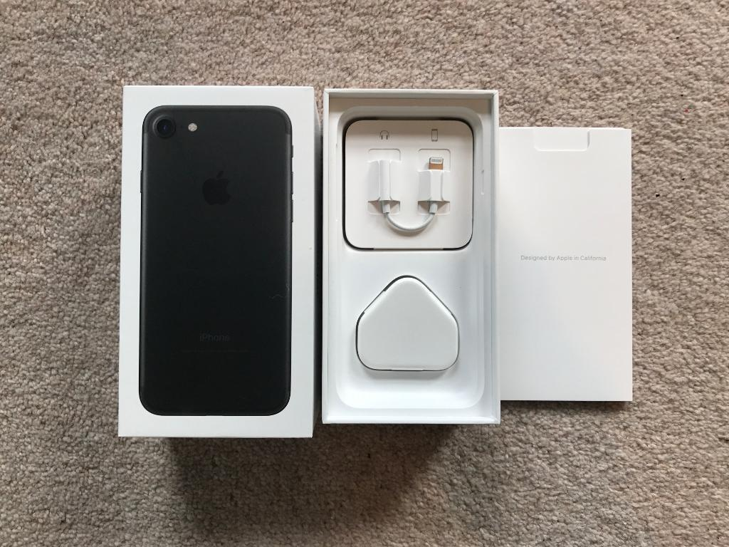 Iphone 7EE 128gbin Gloucester Road, BristolGumtree - I am selling my iPhone 128gb in Matte Black.Ive upgraded to the bigger iPhone 7 Plus.The phone is in good condition and comes fitted with a screen guard (which can be easily removed).The phone comes boxed with all original accessories and with a...