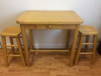 Beautiful Solid Wood Tall Table with Draw and 2 Chairs Excellent Condition