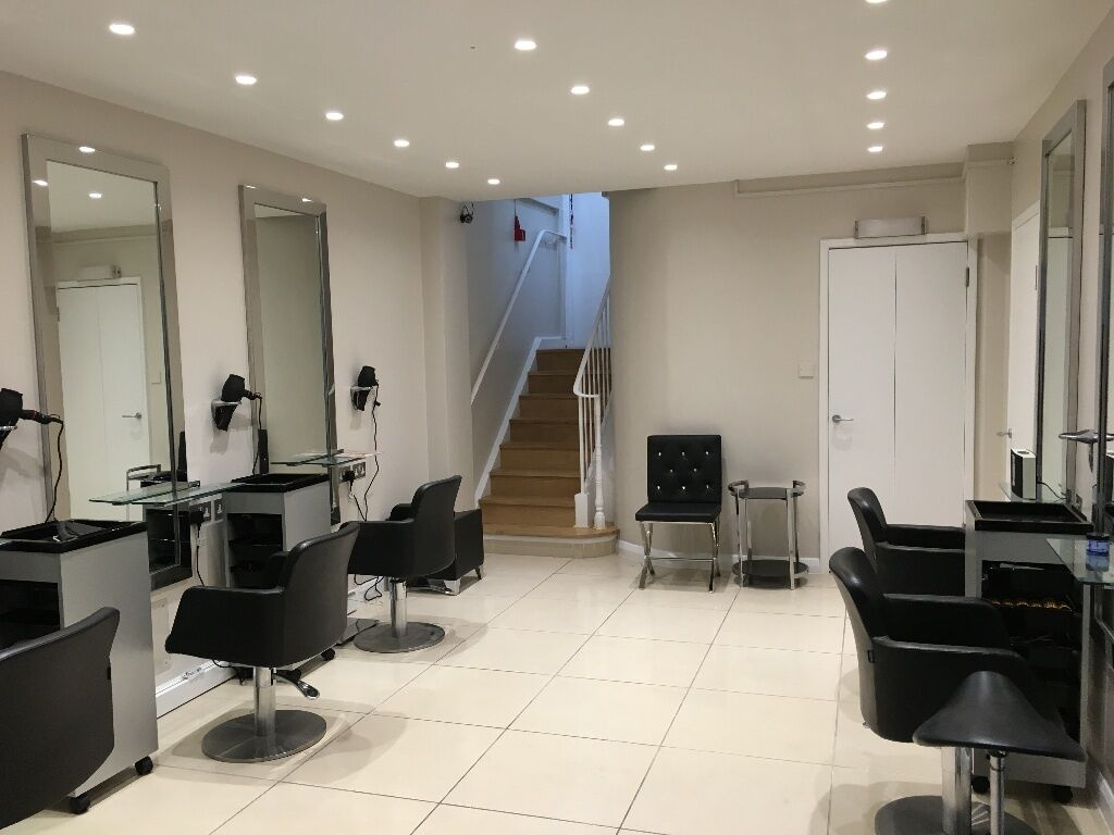 Self employed hairdressers to RENT a chair & Saturday assistant in Mayfair