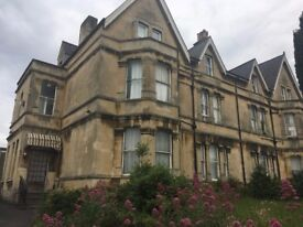 Beautiful Single Room to Rent in Great House in Bath