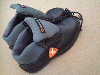 Goliath Safety Boots, Size 11, Brand New, Unused with shoelaces