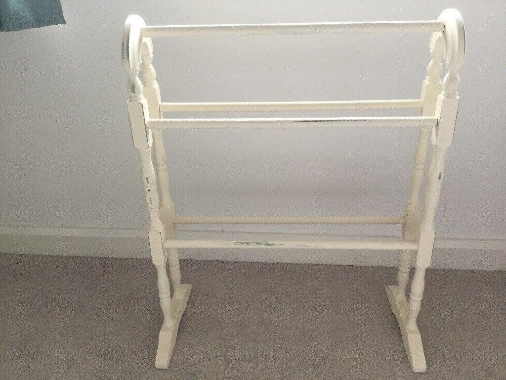 Cream Shabby Chic Towel Rail