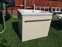 Wall hung gloss vanity unit with sink