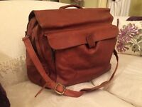 Vintage Leather Holdall/Weekend/Office Briefcase with matching leather toilet bag