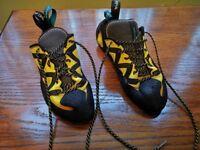 Scarpa Vapour lace climbing shoe UK 8.5