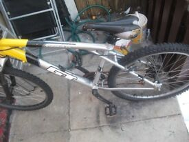 gt 24 geared mountain bike needs tlc bargain at 40 pounds