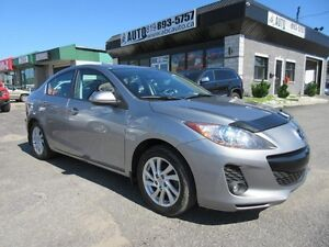 2012 Mazda Mazda3 GS-SKY (Leather, Sunroof, Heated seats)