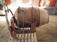 £40, 3 point tractor linkage, cement mixer, broken, 3ft long and 2ft wide barrel