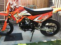 sinnis apache 125 motorbike orange