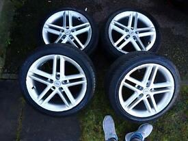 """4x 17"""" Momo Alloy wheels with brand new tyres"""