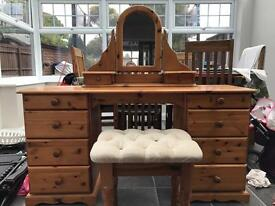 Dressing table and stall