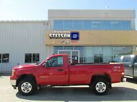 2012 GMC SIERRA 2500HD ONLY 37,500 KMS! - SLE Reg. Cab Long Box