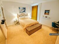 2 bedroom flat in The Base, Birmingham, B16 (2 bed) (#981596)