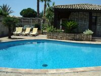 Rent a house with private swimming pool in South of france