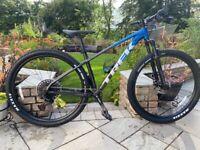 2022 Trek Marlin 8 mountain bike size Medium- almost brand new
