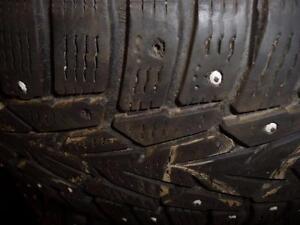 2 pneus d'hiver 205/55/16 Nokian Hakkapeliitta 7 à clous, 2 pneus d'hiver 205/55/16 Nokian Nordman 5 à clous