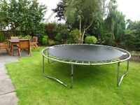 TRAMPOLINE FOR SALE SIZE 8-9FT