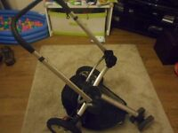 Quinny buzz travel system. Includes pram, buggy and maxi cosi car seat. Adaptors included