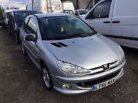 2006 PEUGEOT 206 WITH FULL SERVICE HISTORY LONG MOT 3DOOR HATCH IN NICE SILVER COLOUR ALLOYS PX WELC